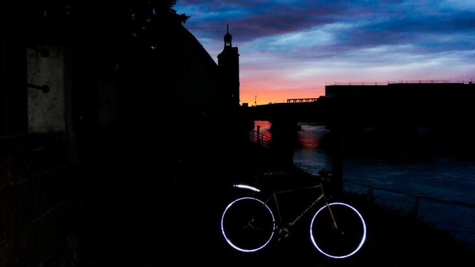 Kurz nach Sonnenuntergang unterhalb der SteinernenBrücke