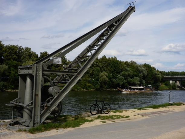 viktor-am-fluss-125