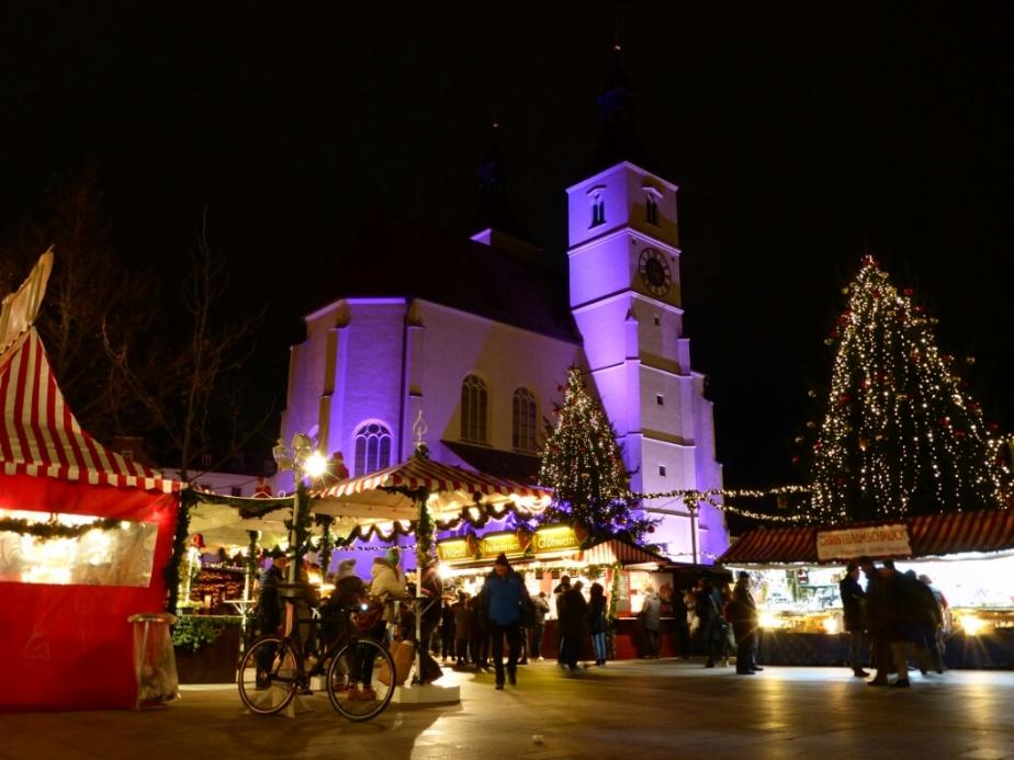Viktor am Weihnachtsmarkt