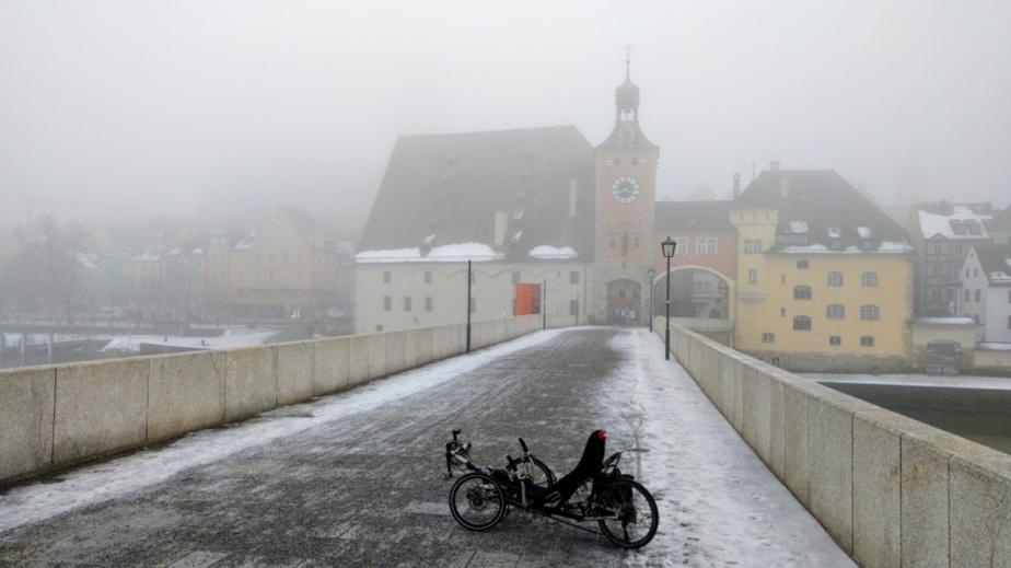 Und jetzt auch noch Dreirad fahren im Nebel