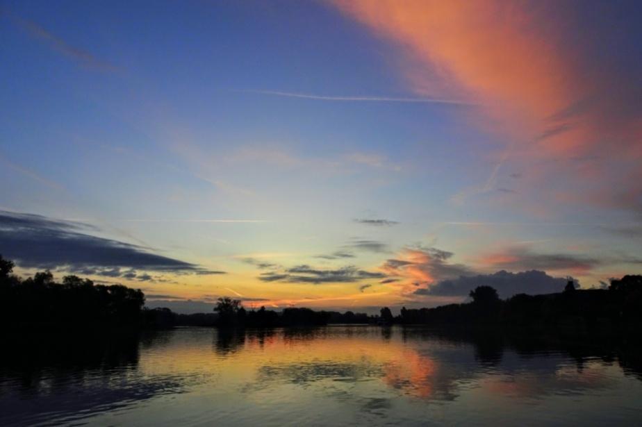 Viktor, Sonnenaufgang, Farben und ein blauerWal
